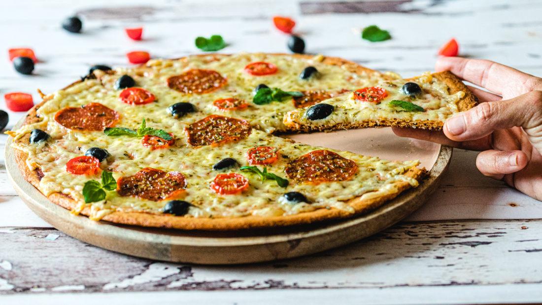 Hjemmelaget Pizza           gluten og sukker fri på kun 25 min.