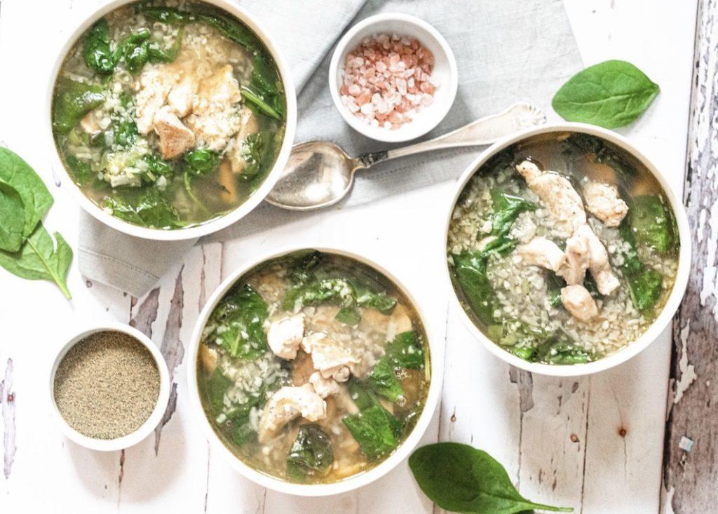 Kylling suppe med spinat & blomkål
