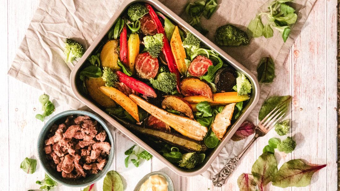 Gratinerte rotgrønnsaker med lammekjøtt & sennep.