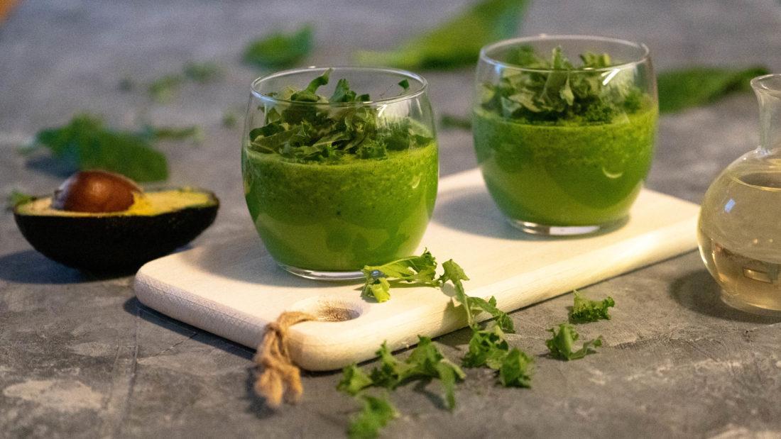Grønn smoothie med energiske oljer & spirulina