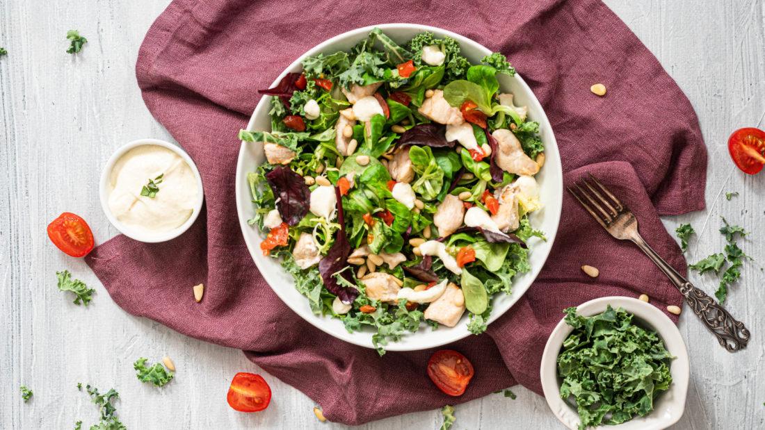 Kylling salat med hjemmelaget Aioli dressing