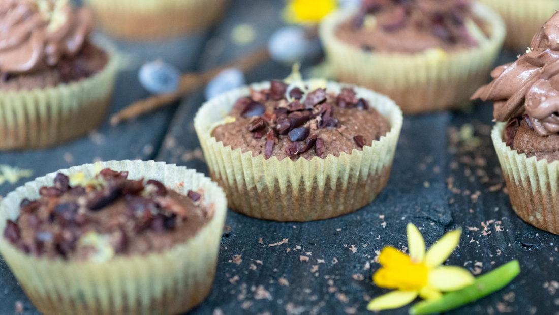 Keto vennlige & sunnere Muffins med sjokolade & sitron dryss